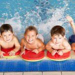 Bài học bơi cho trẻ em